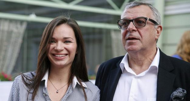 Жена Андрея Урганта призналась, что ждёт ребёнка от другого
