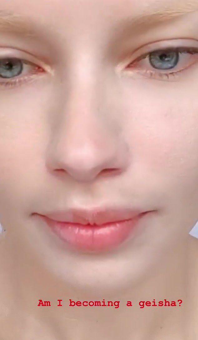 Адриана Лима вспомнила тренд 2010 годов и осветлила брови, став совершенно другой