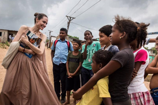 Поклонники беспокоятся за здоровье и жизнь Анджелины Джоли
