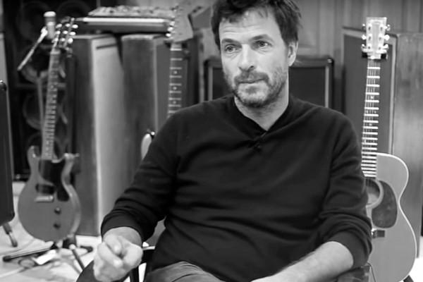 Музыкант Филипп Здар погиб во Франции, выпав из окна