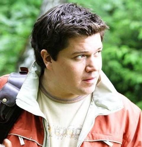 Умер лидер группы «Високосный год» Илья Калинников