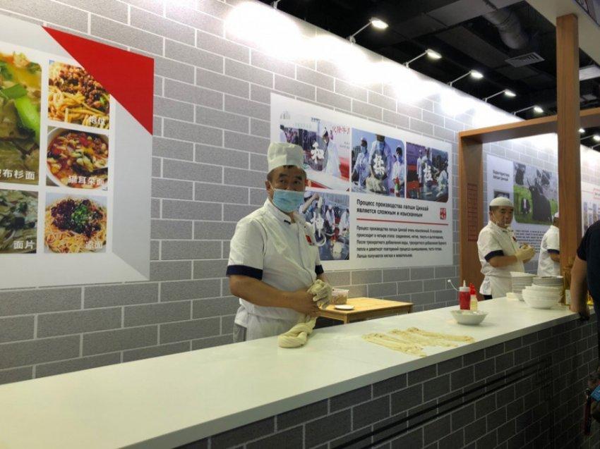 На ВДНХ открылась китайская выставка народного промысла города Хайдун