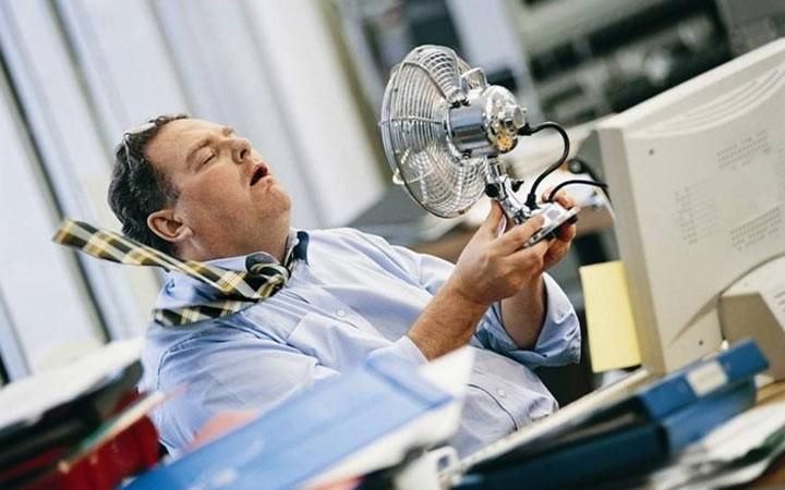 Роструд напомнил о правилах работы в жару в 2019 году
