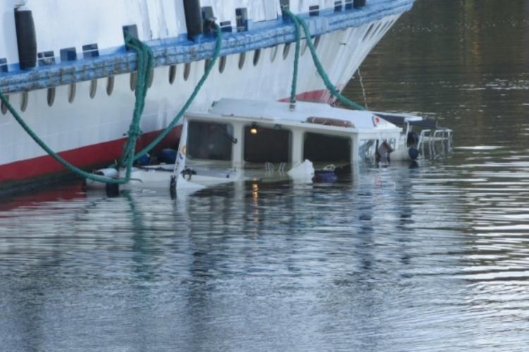 Яхта затонула, врезавшись в теплоход на Волге
