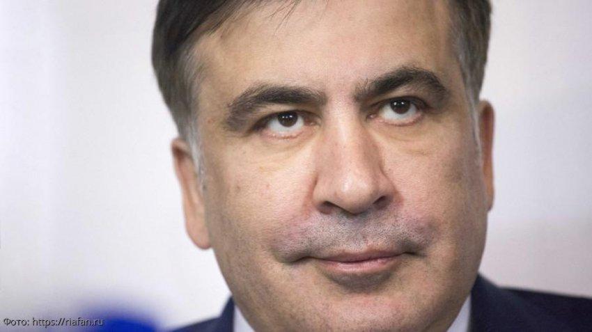 Саакашвили устроил драку и сломал руку пожилой женщине