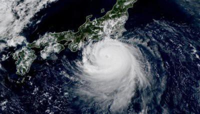 Тайфун «Факсай» бушует в Японии, фото и видео