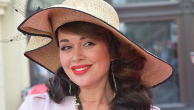 Анастасия Заворотнюк согласилась вести корпоратив после слухов о болезни