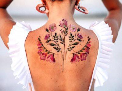 Елена Малышева рассказала, чем могут навредить татуировки