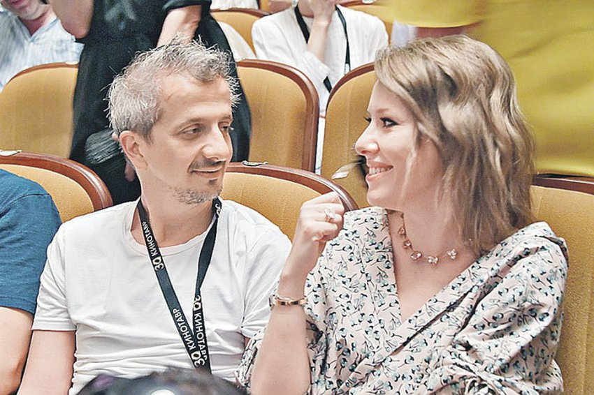 Россия отмечает свадьбу Ксении Собчак и Константина Богомолова