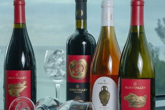 Розничная продажа российского вина может быть продлена до полуночи