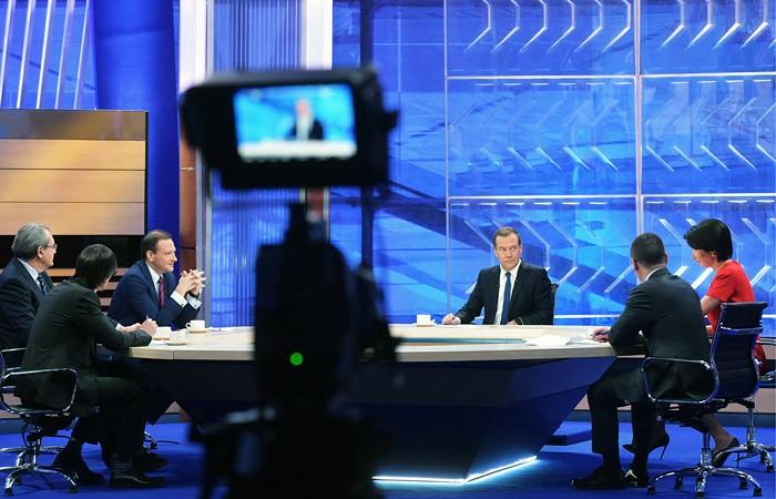 Дмитрий Медведев даст итоговое интервью 20 телеканалам 20 декабря 2019 года