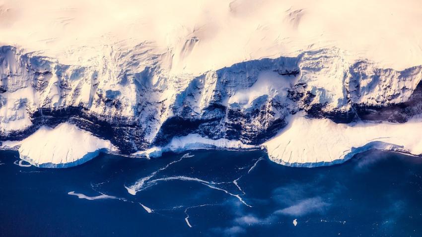 Катастрофа неминуема: начал таять самый глубокий горный ледник