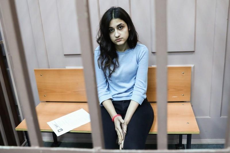 Последние новости по делу сестер Хачатурян: расследование завершено, стороны защиты обвиняют следствие в необъективности