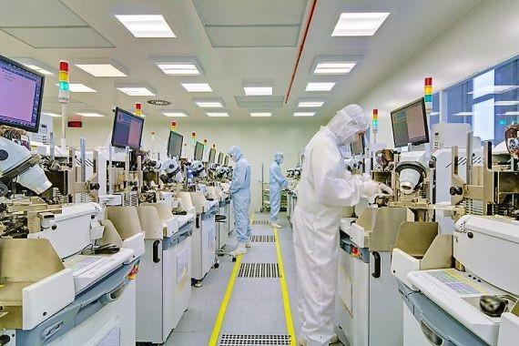 Вице-премьер объяснил, почему в РФ развалилось микроэлектронное производство
