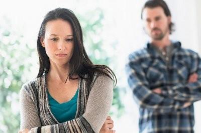 Назван возраст, когда человек чувствует себя наиболее несчастливым в жизни