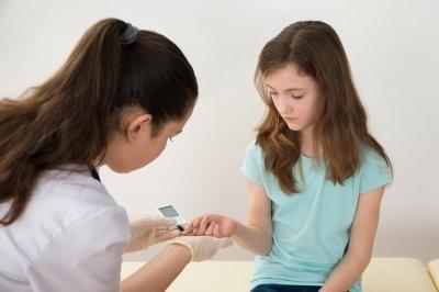 Названы симптомы диабета первого типа, который поражает детей и подростков