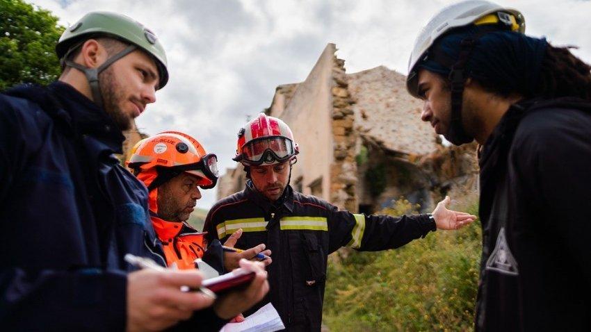 Люди в панике выбегали из домов: США всколыхнуло мощное землетрясение