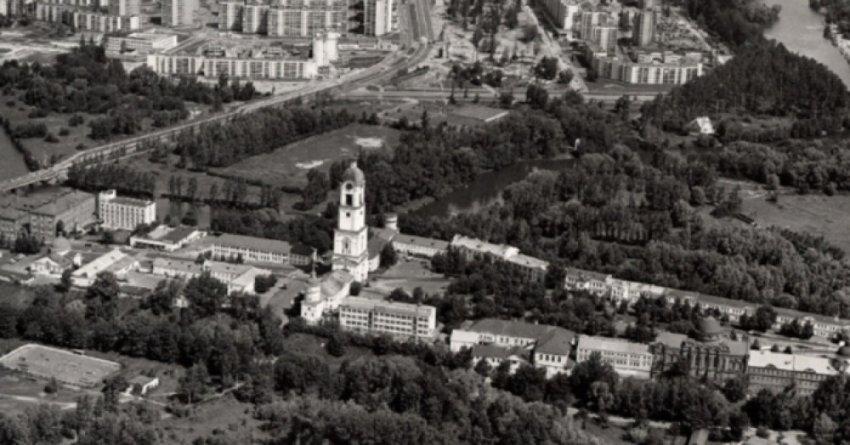 Город Саров не значился на картах и застрял в эпохе Советского Союза
