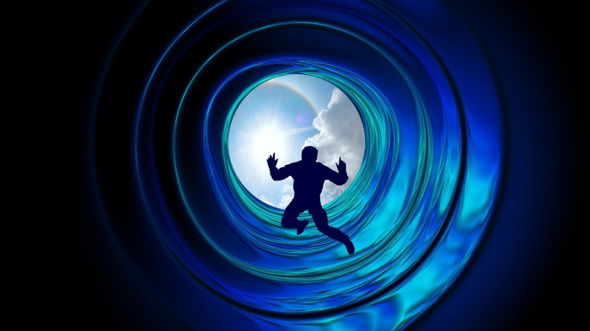 Мужчина во время клинической смерти увидел два туннеля, но ему не разрешили в них войти