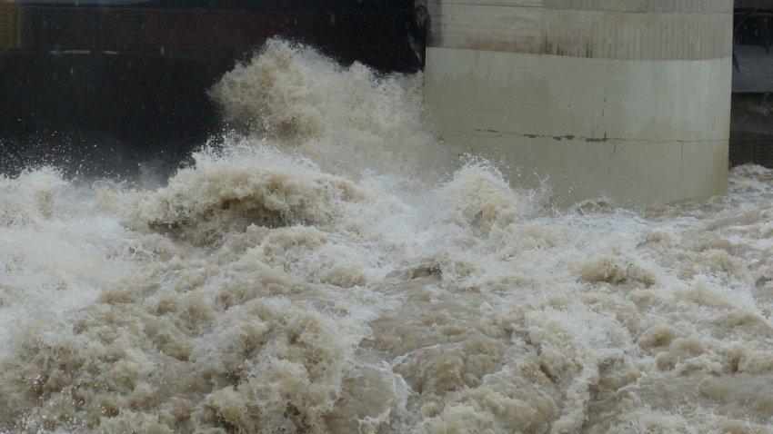 Крупнейшую плотину «Три ущелья» в Китае вот-вот может прорвет: под угрозой миллионы жизней и несколько АЭС