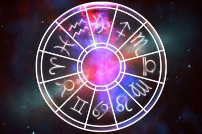 Астрологи назвали знаки Зодиака, которые делают других людей несчастными