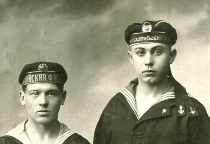 Для чего у моряков ленточки на головных уборах