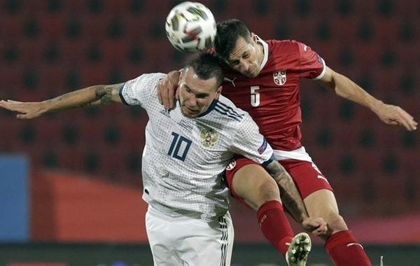 Сборная России по футболу разгромно проиграла Сербии