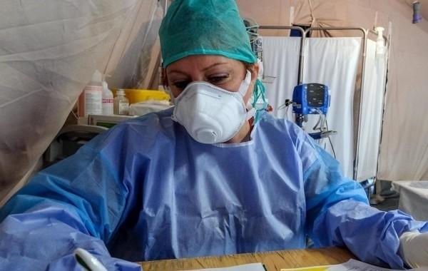 Прирост новых заболевших коронавирусом в Алтайском крае замедлился