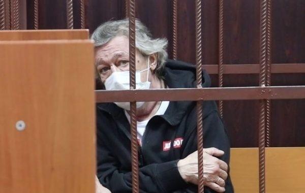 Ефремов сидит в отдельной камере в СИЗО