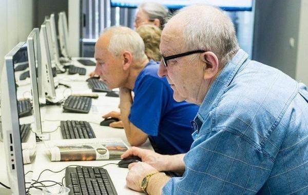 В Госдуме готовят парламентский запрос об индексации пенсий работающим