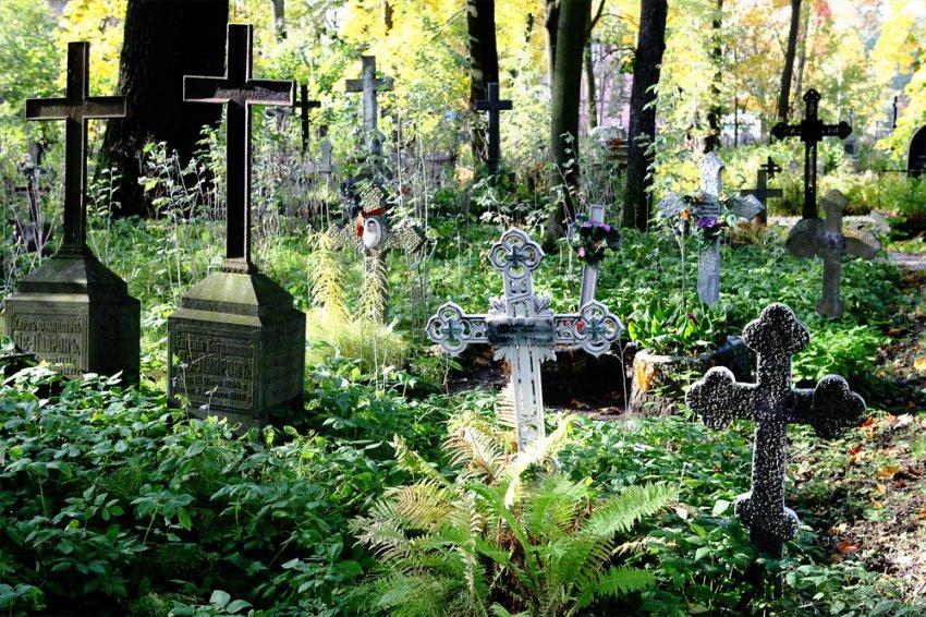 Как можно контролировать похоронный бизнес в России