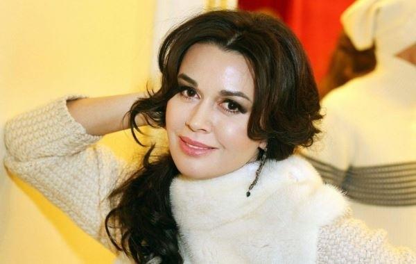 Анастасия Заворотнюк встретила Новый год в кругу семьи