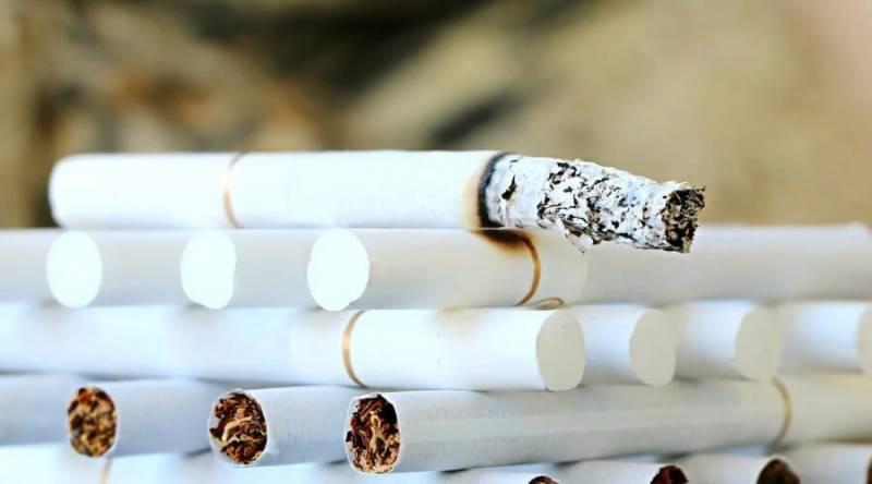 Сигареты и алкоголь в России подорожают, а контрафакт начнет процветать