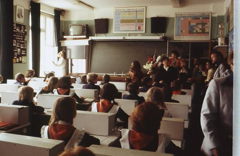 Почему школьники в СССР были умнее, чем современные ученики