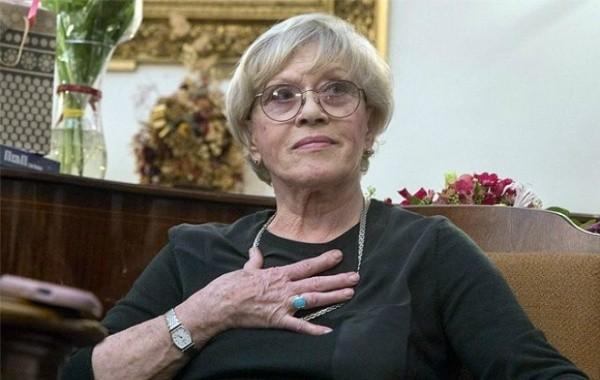 К восстановлению Алисы Фрейндлих подключились физиотерапевты