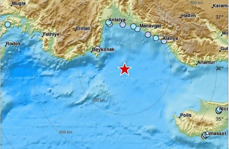 Во время землетрясения на Кипре в 2021 году остановилась работа местного парламента