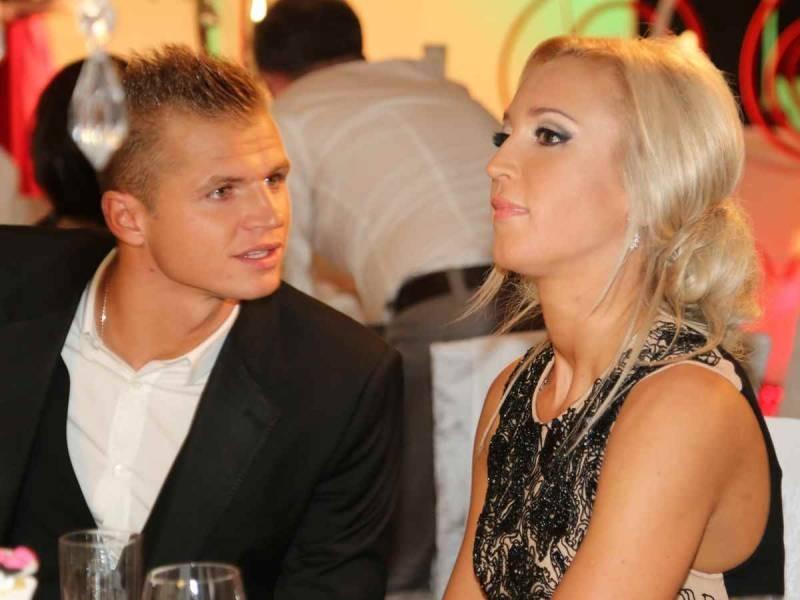 Ольга Бузова намекнула на расставание с Давой в обращении к поклонникам