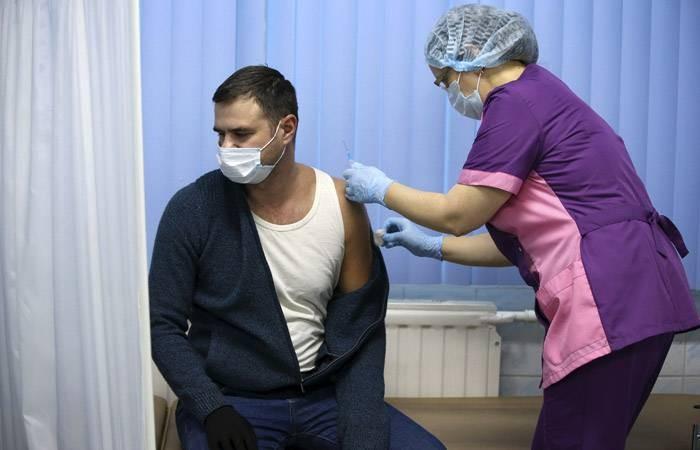 Получение талонов и предварительная запись: как в России проходит вакцинация от коронавируса
