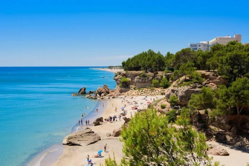 Стало известно, будет ли Испания принимать туристов из России в 2021 году