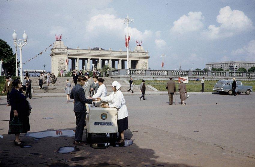 Уличная торговля была залогом успешного экономического развития СССР