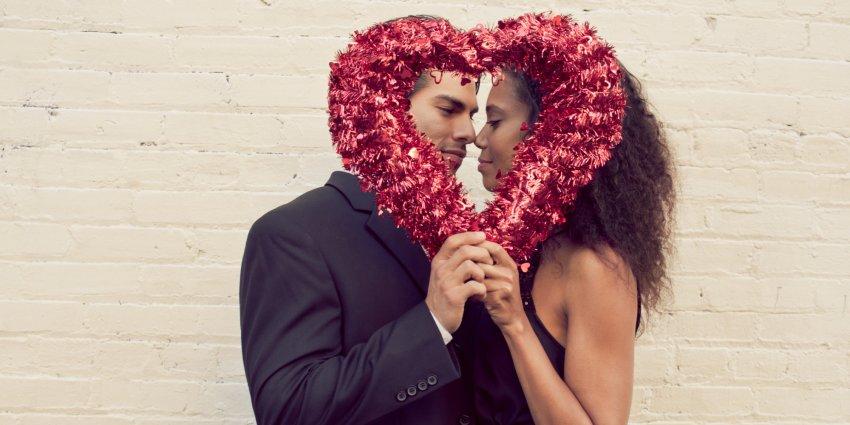 Когда празднуют День влюбленных в 2021 году и что подарить близким людям