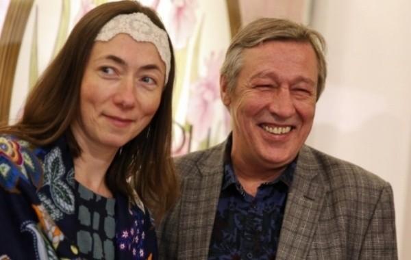 Адвокат Михаила Ефремова прокомментировал данные о разводе актера с женой