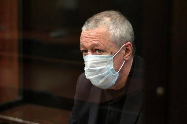 Жена Михаила Ефремова потребовала вернуть ей «украденные» деньги