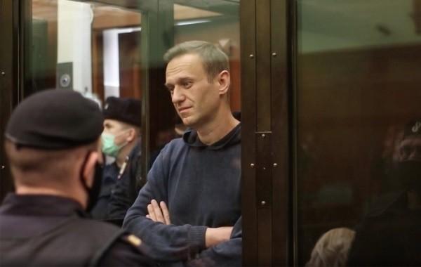 Суд отправил Алексея Навального в колонию