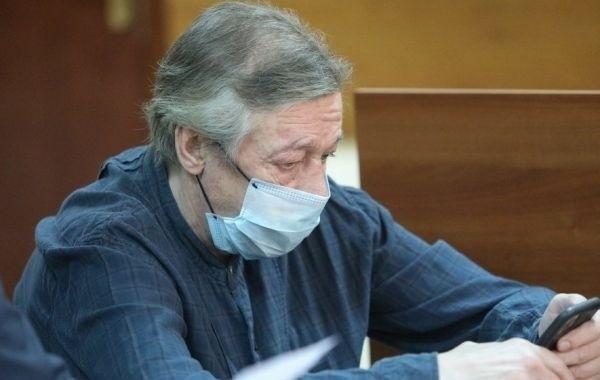 Михаила Ефремова этапировали в Москву