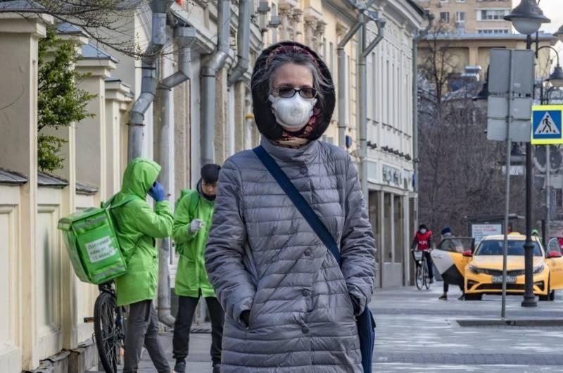 В Москве начали снимать карантинные ограничения