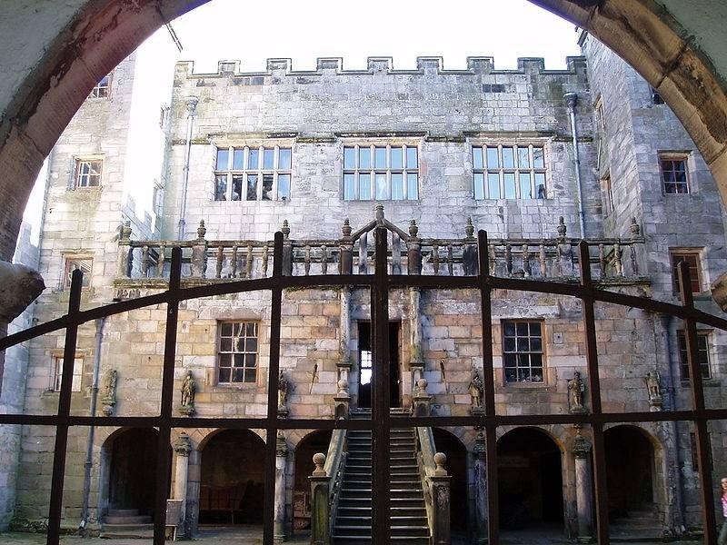 Пять самых знаменитых замков «с привидениями», которые можно посетить туристам
