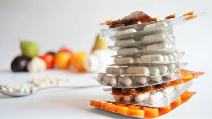 Врачи предупредили о вреде витамина С и цинка при лечении коронавируса
