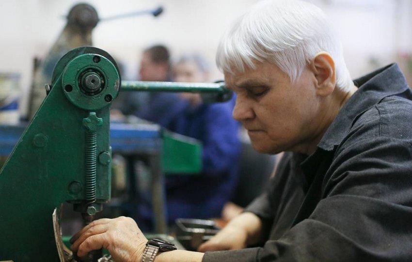 Предложения по индексации пенсий работающим пенсионерам подготовили в Минтруда РФ