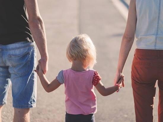 Как и кому будут выплачивать детские пособия в России в 2021 году